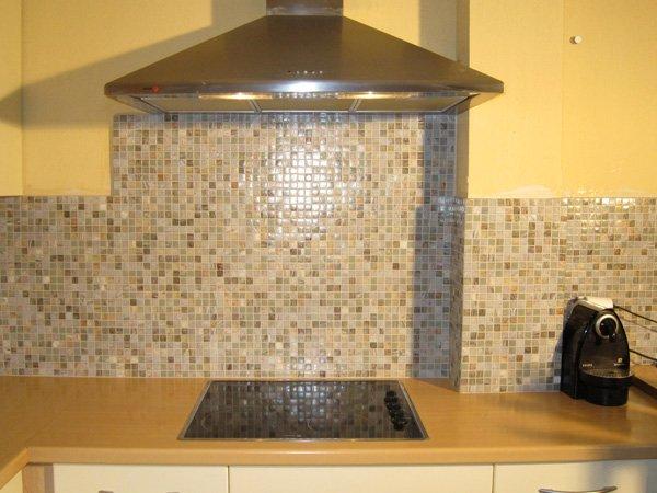 Dolce mosaic cr dence cuisine en p tes de verre for Carrelage couleur prune